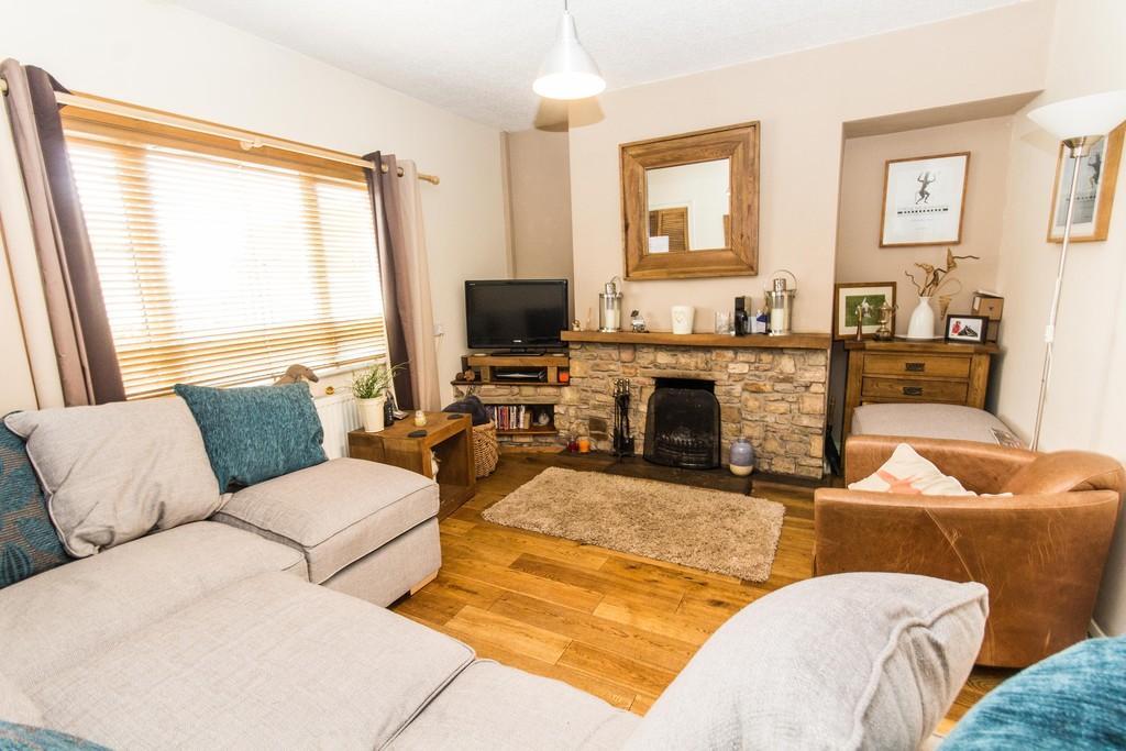 3 Bedrooms Semi Detached House for sale in 24 Jutland Avenue, Flookburgh