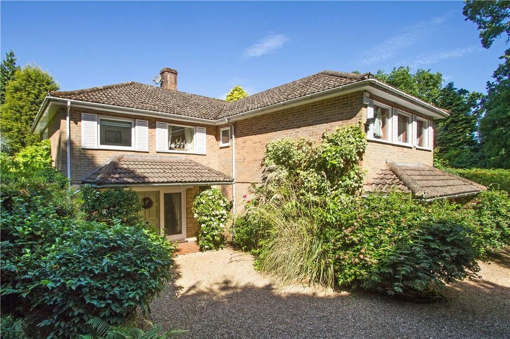 4 Bedrooms Detached House for sale in Highercombe Road, Haslemere, Surrey, GU27