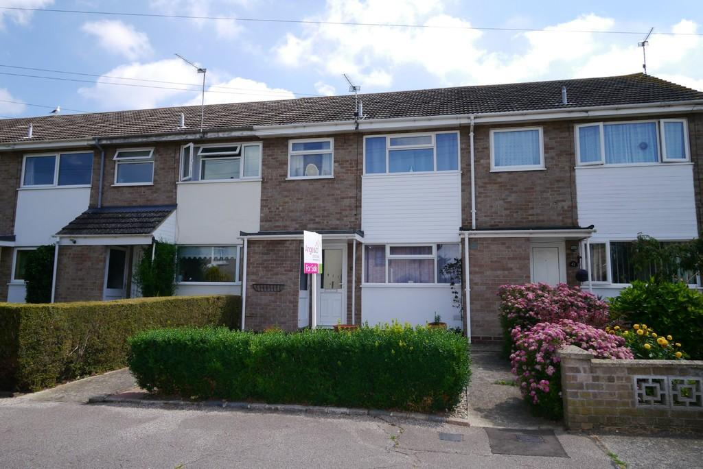 3 Bedrooms Terraced House for sale in Gilpin Road, Oulton Broad, Lowestoft