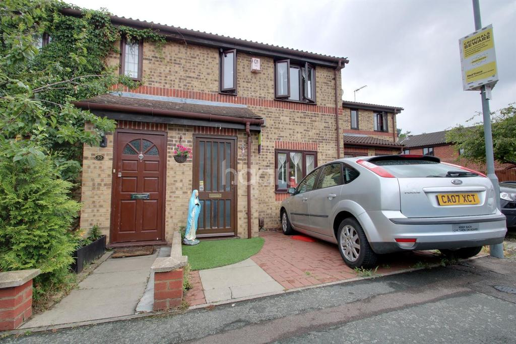 3 Bedrooms Terraced House for sale in Aldington Close, Dagenham