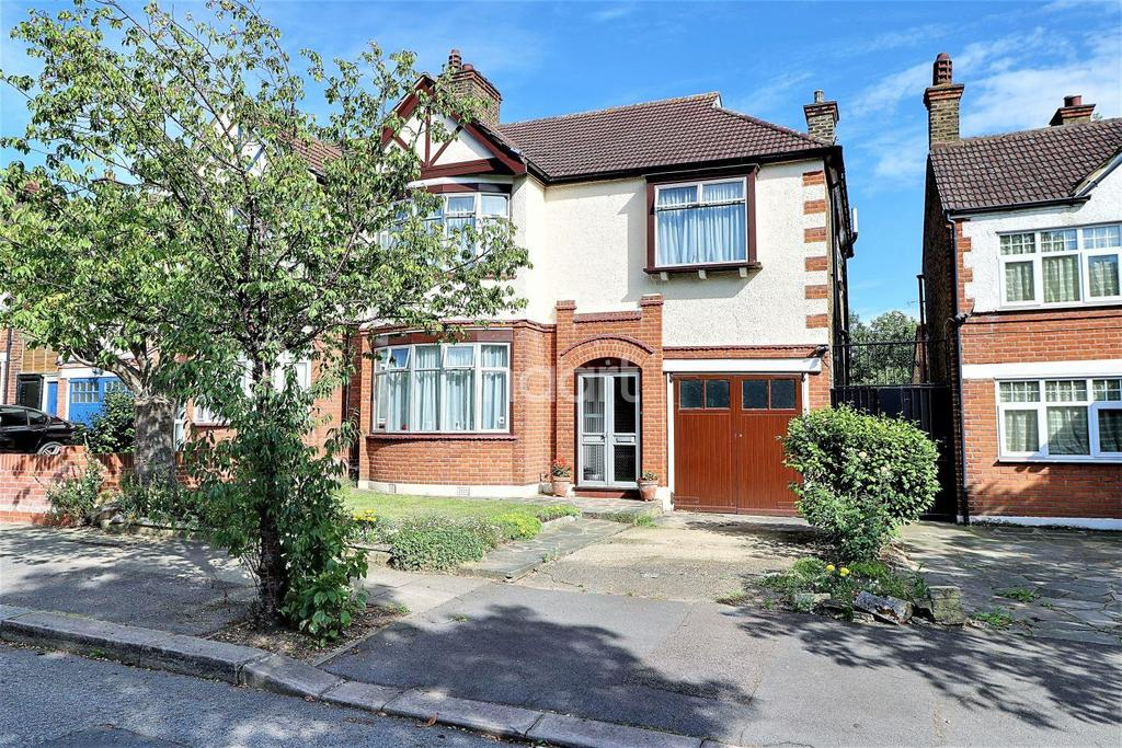 5 Bedrooms End Of Terrace House for sale in Chichester Gardens, Ilford, Essex