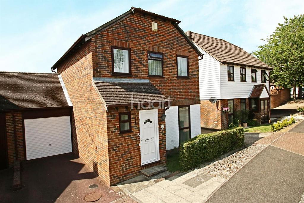 3 Bedrooms Detached House for sale in Button Lane, Bearsted, ME15