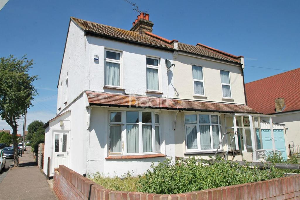 2 Bedrooms Semi Detached House for sale in Lonsdale Road, Southend On Sea