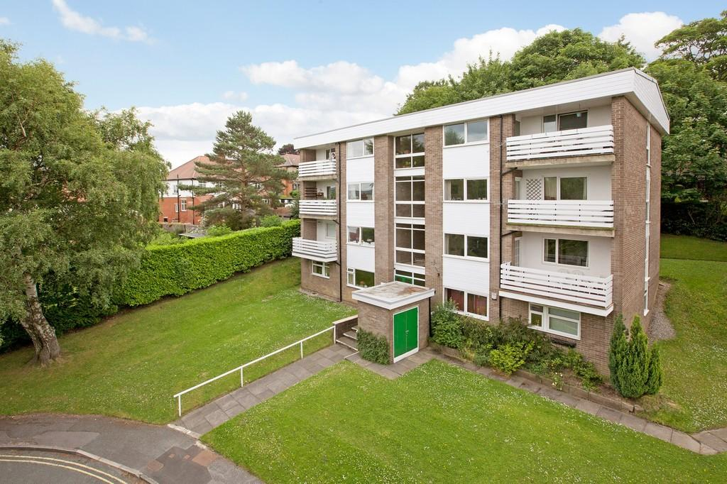 3 Bedrooms Apartment Flat for sale in Sefton Drive, Ilkley