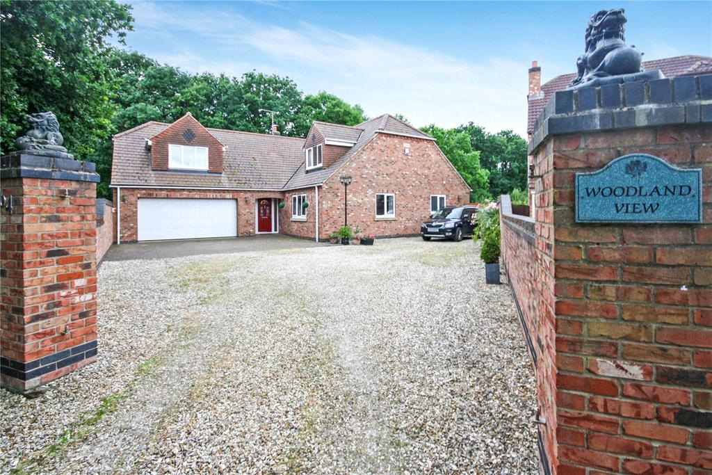 4 Bedrooms Detached House for sale in Queensway, Skellingthorpe, Lincoln, Lincolnshire, LN6