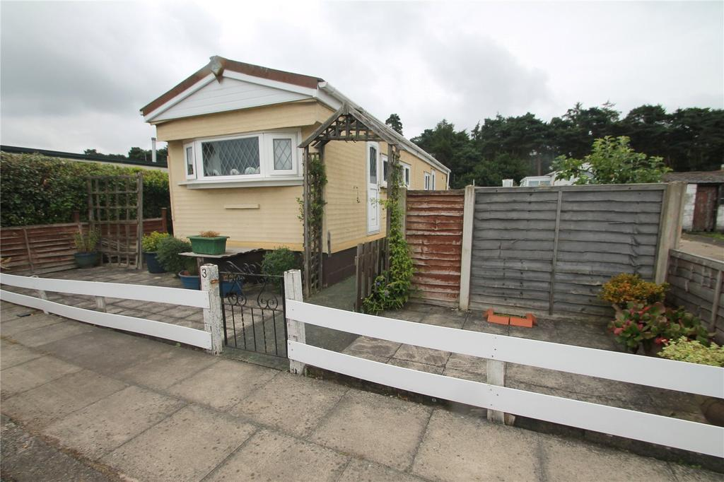 1 Bedroom Mobile Home for sale in Second Avenue, Parklands, Scunthorpe, DN17