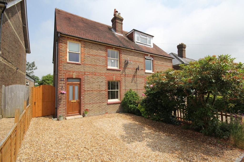 3 Bedrooms Semi Detached House for sale in West Beeches Road, Crowborough