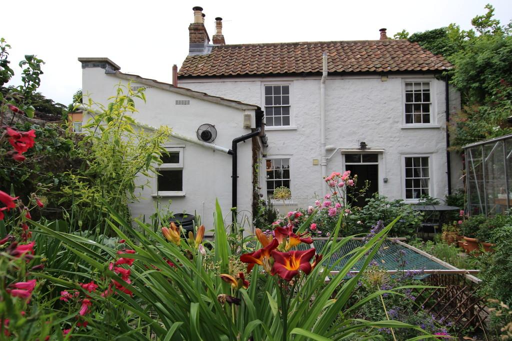 3 Bedrooms Cottage House for sale in Historic period home situated just a short walk to Banwell Castle