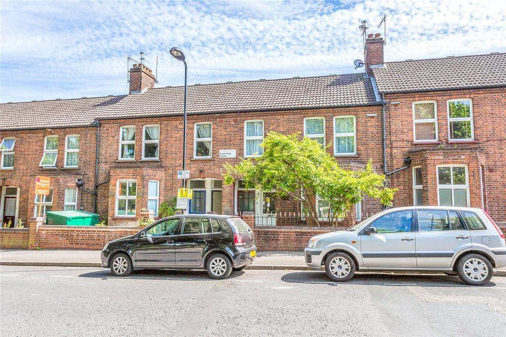 3 Bedrooms Flat for sale in Fletching Road, London, E5