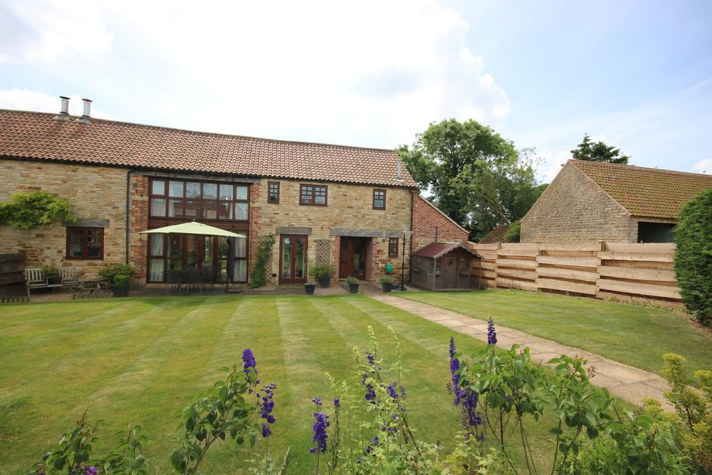 4 Bedrooms Barn Conversion Character Property for sale in Church Farm, Stroxton