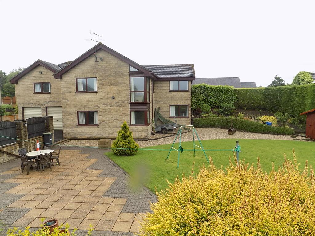 5 Bedrooms Detached House for sale in Hallsteads, Dove Holes