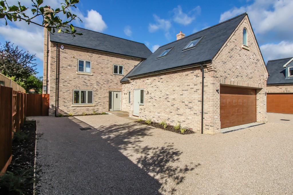 4 Bedrooms Detached House for sale in Bishops Road, Trumpington