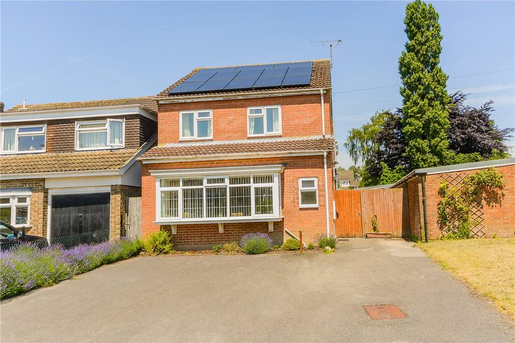 4 Bedrooms Detached House for sale in Webbs Way, Burbage, Marlborough, Wiltshire, SN8