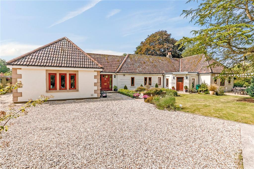 3 Bedrooms Detached Bungalow for sale in East Grafton, Marlborough, Wiltshire, SN8