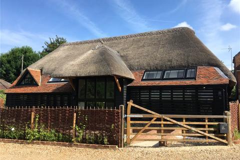 4 bedroom detached house to rent - Milkingpen Lane, Old Basing, Basingstoke, Hampshire, RG24