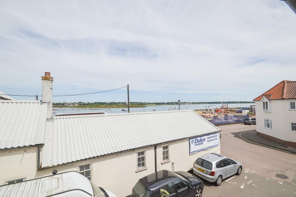 2 Bedrooms Apartment Flat for sale in South Street, Manningtree