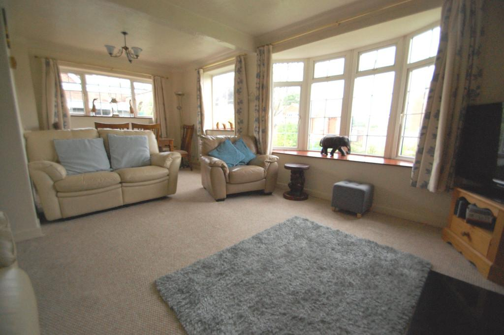 3 Bedrooms Chalet House for sale in Thieves Lane, Salhouse