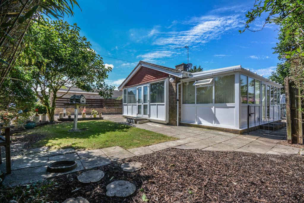 3 Bedrooms Detached Bungalow for sale in Park Road, Cowes