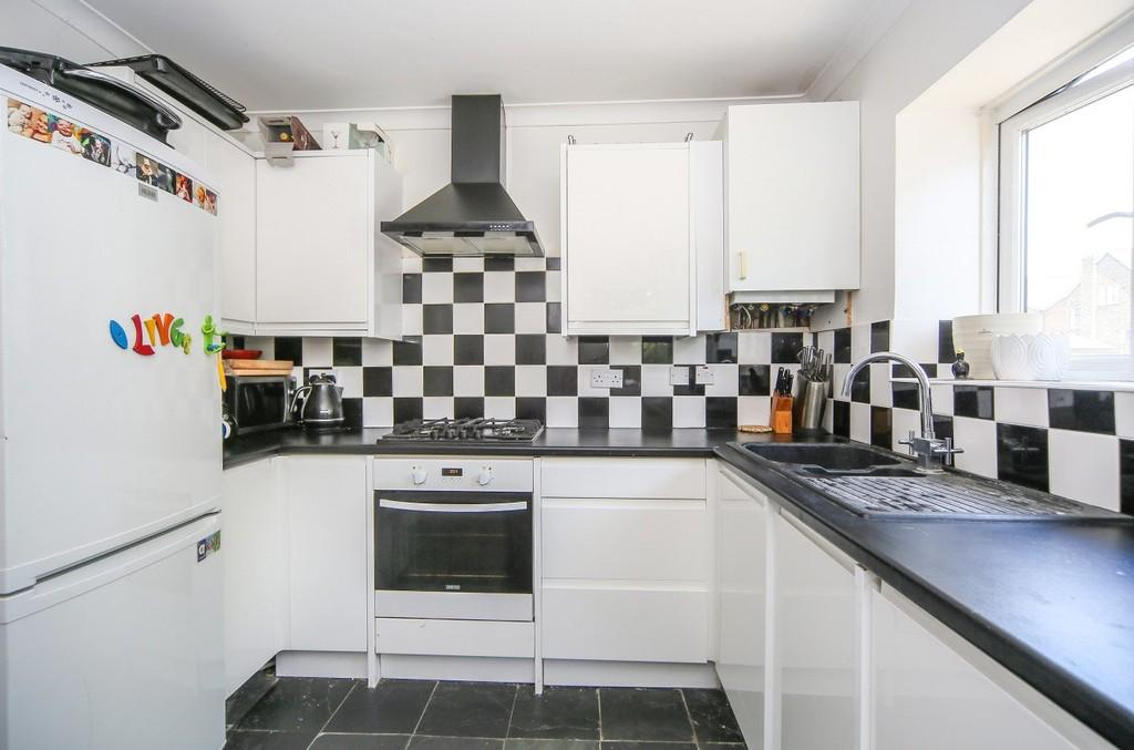 2 Bedrooms Apartment Flat for sale in Carlton Road N4 4NJ