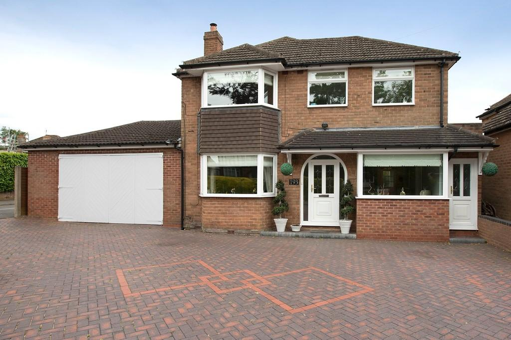 4 Bedrooms Detached House for sale in Widney Road, Bentley Heath
