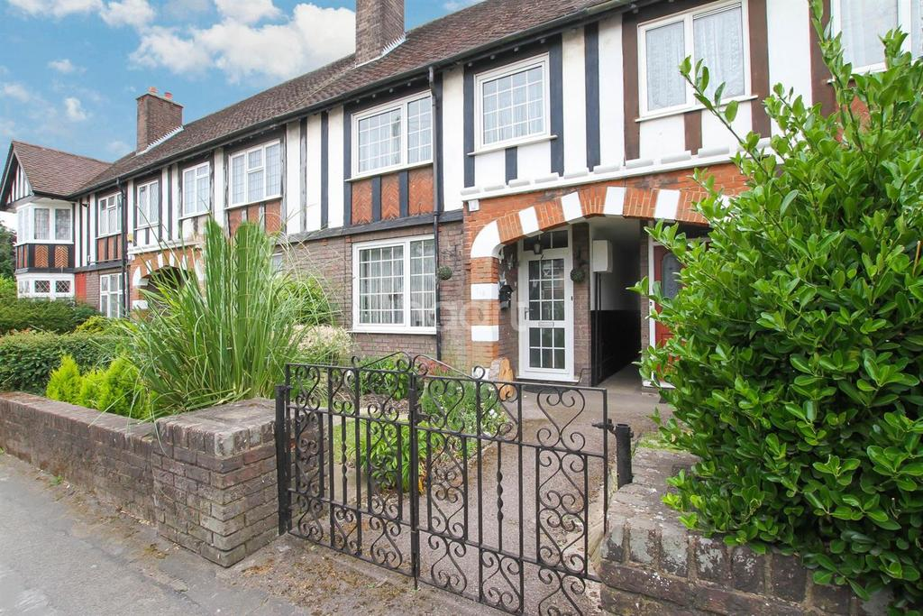 2 Bedrooms Terraced House for sale in Limbury Road