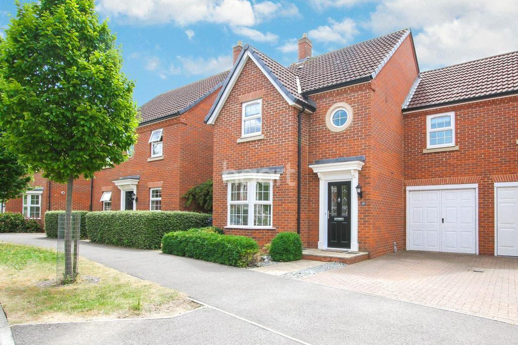 4 Bedrooms Detached House for sale in Langstone Ley