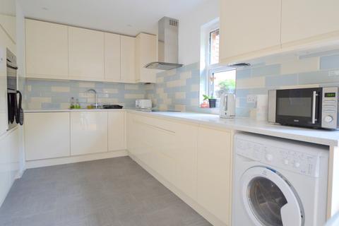 5 bedroom terraced house to rent - Abbeyfield Road, Bermondsey