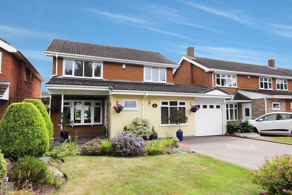 4 Bedrooms Detached House for sale in Helmingham, Tamworth