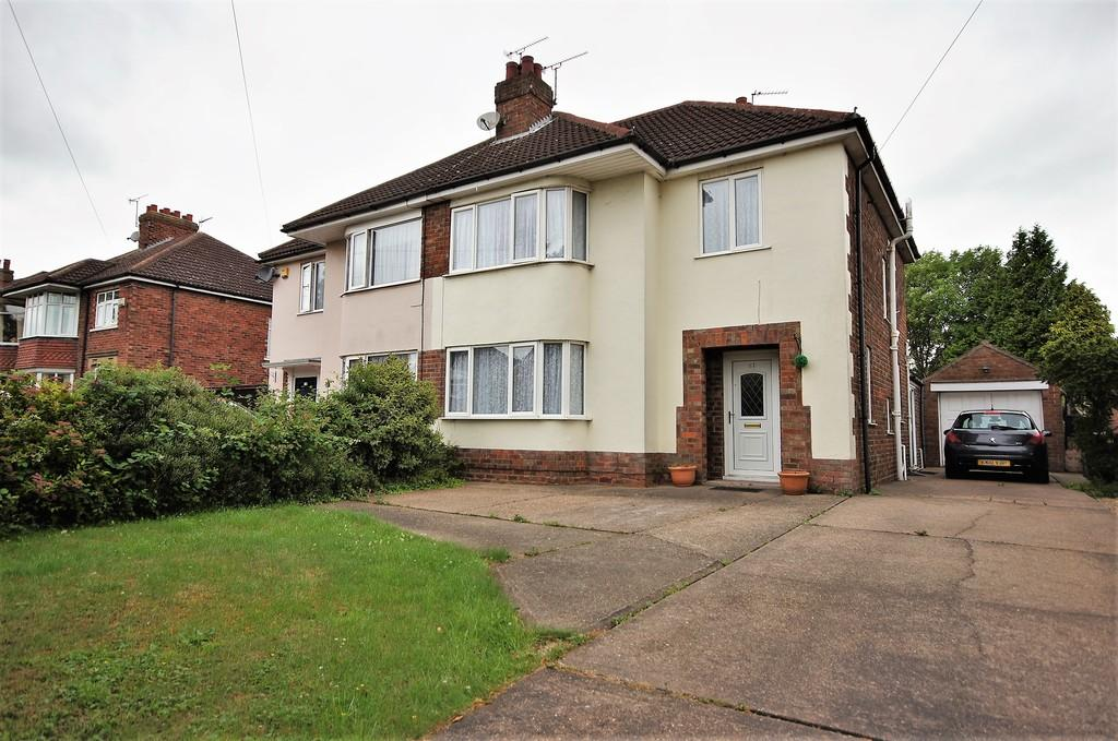 3 Bedrooms Semi Detached House for sale in Yarborough Crescent, Lincoln