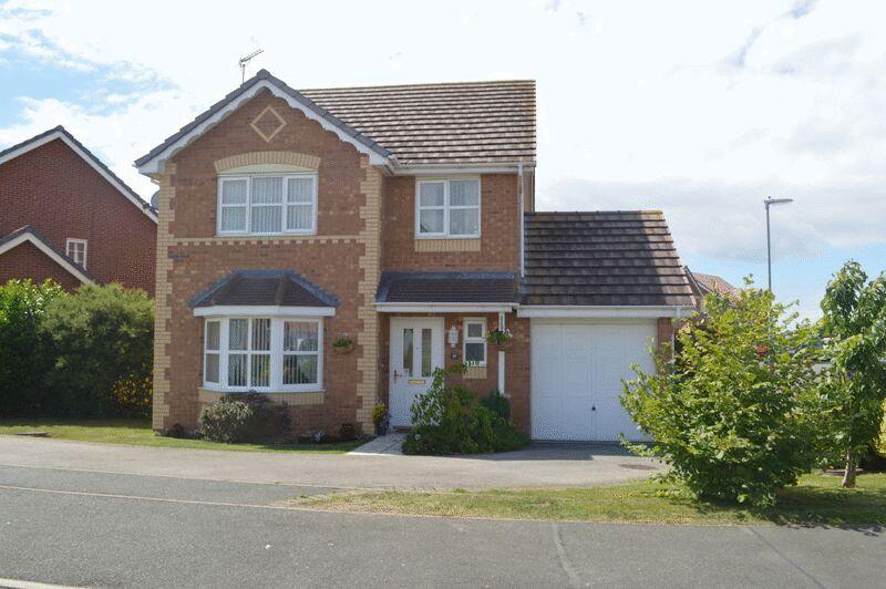 3 Bedrooms Detached House for sale in Parc Morfa, Rhyl
