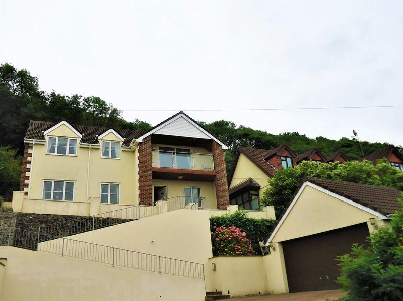 5 Bedrooms Detached House for sale in Kewstoke Road, Weston-Super-Mare
