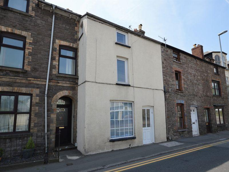3 Bedrooms Terraced House for sale in Brecon Road, Abergavenny
