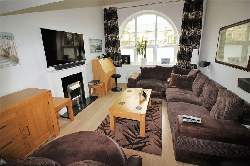 1 Bedroom Apartment Flat for sale in Charlotte Close, Savile Park,Halifax