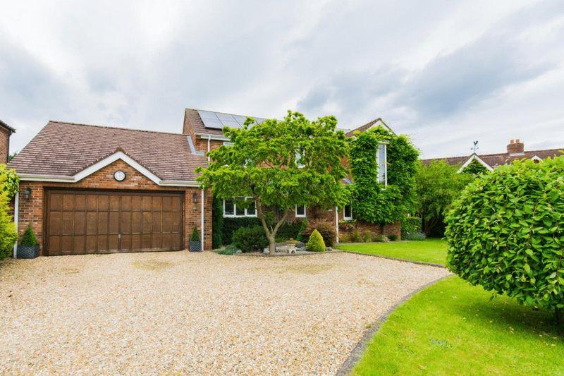 4 Bedrooms Detached House for sale in Old Vicarage Park, Scawby, DN20