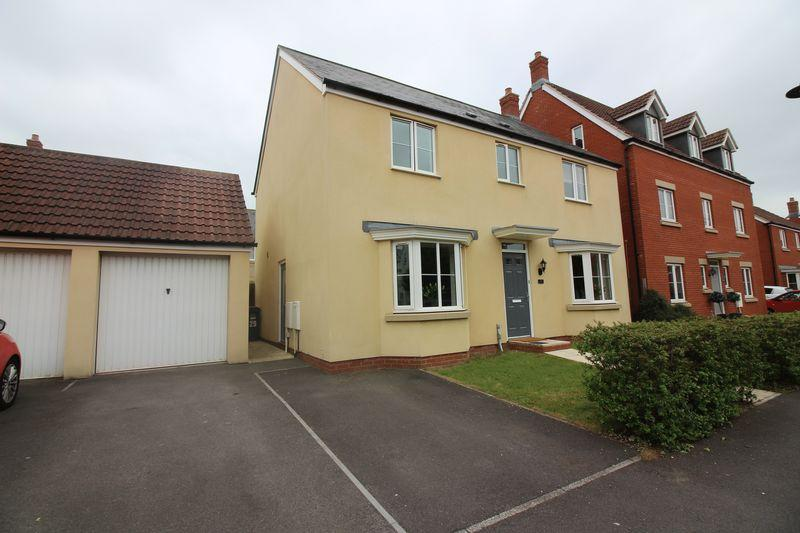 4 Bedrooms Detached House for sale in Lapwing Close, Portishead