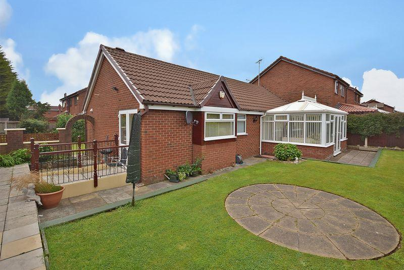 2 Bedrooms Detached Bungalow for sale in Blair Drive, Widnes