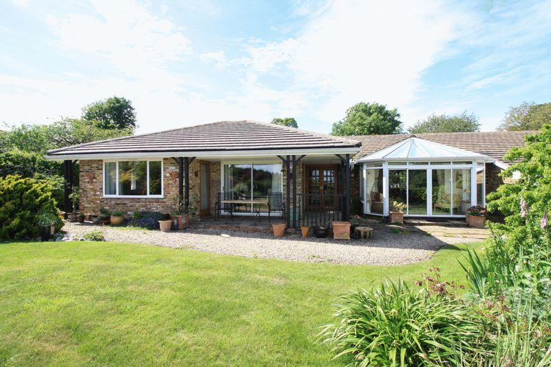 4 Bedrooms Bungalow for sale in RADNAGE - four bedroom detached bungalow with views over open countryside. No onward chain
