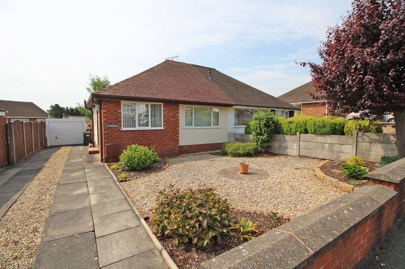 2 Bedrooms Semi Detached Bungalow for sale in Trefynant Park, Wrexham