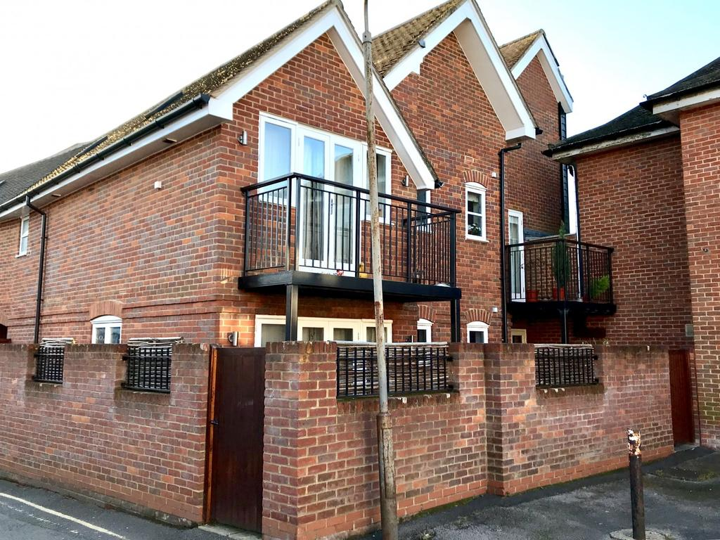 1 Bedroom Flat for sale in Crown Place, Marlow
