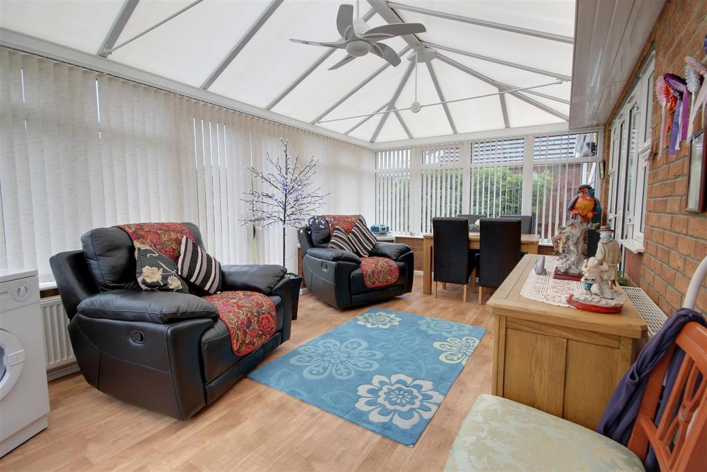 2 Bedrooms Detached Bungalow for sale in 25 Faldos Way, Mablethorpe