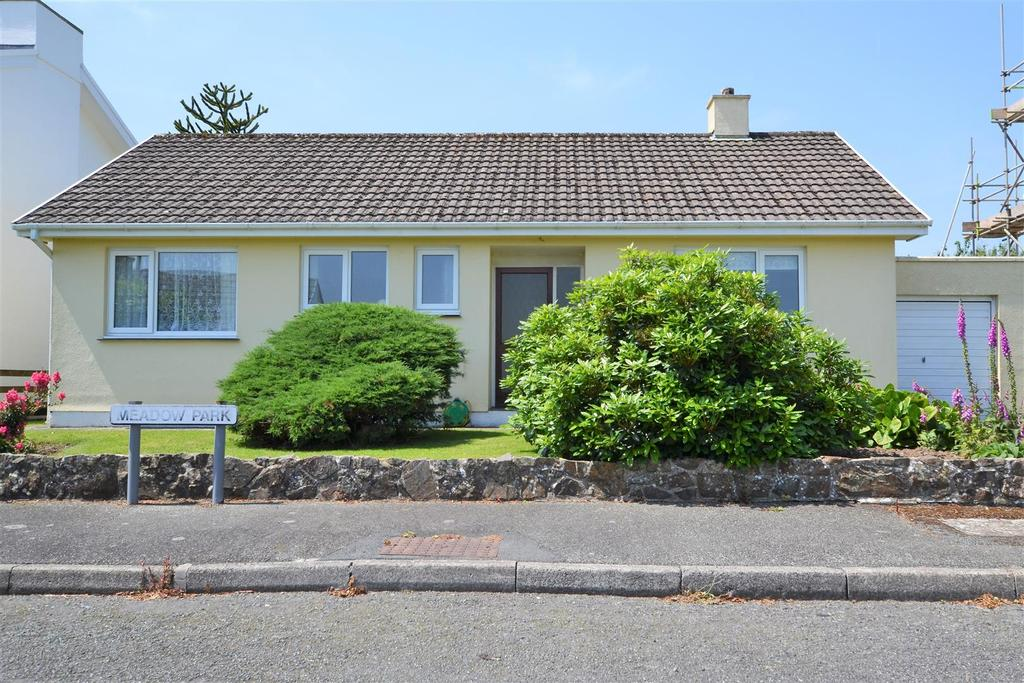 3 Bedrooms Detached Bungalow for sale in Treffgarne