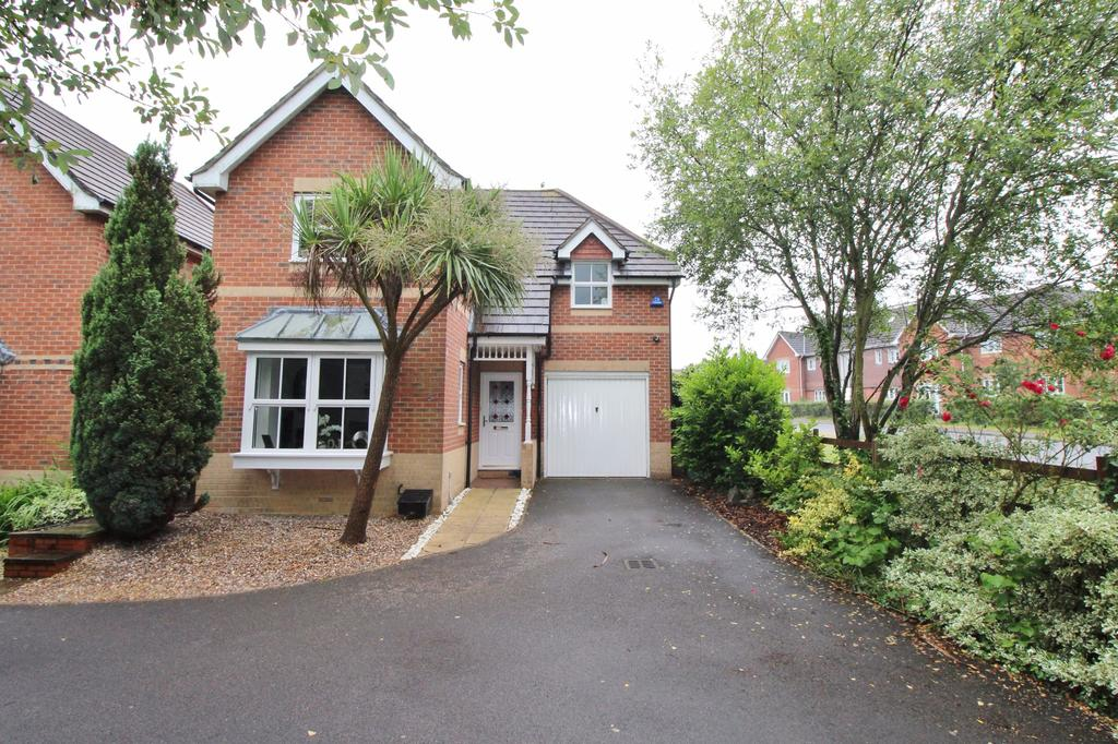 3 Bedrooms Detached House for sale in Orpine Close, Titchfield Park