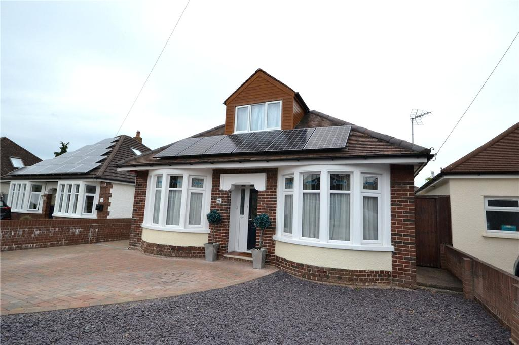 4 Bedrooms Bungalow for sale in Heol Nest, Whitchurch, Cardiff, CF14