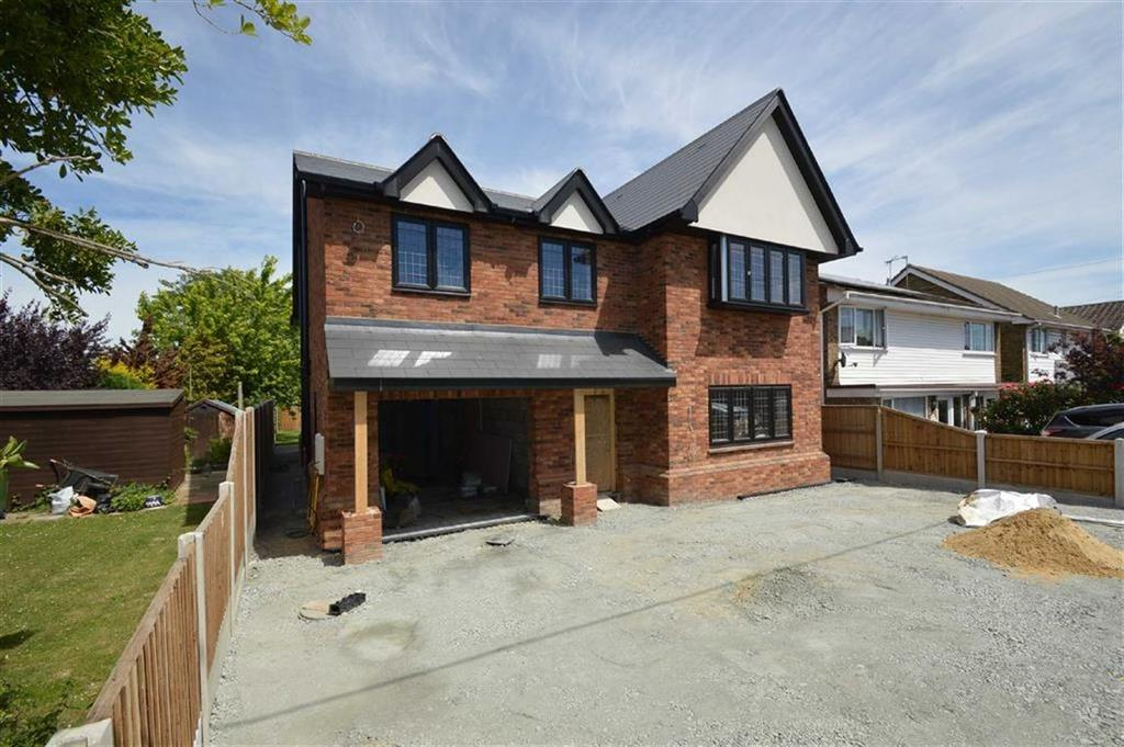 5 Bedrooms Detached House for sale in Grasmere Avenue, Hullbridge, Essex