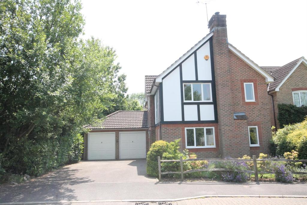 4 Bedrooms Detached House for sale in Holm Oaks, Cowfold, Horsham