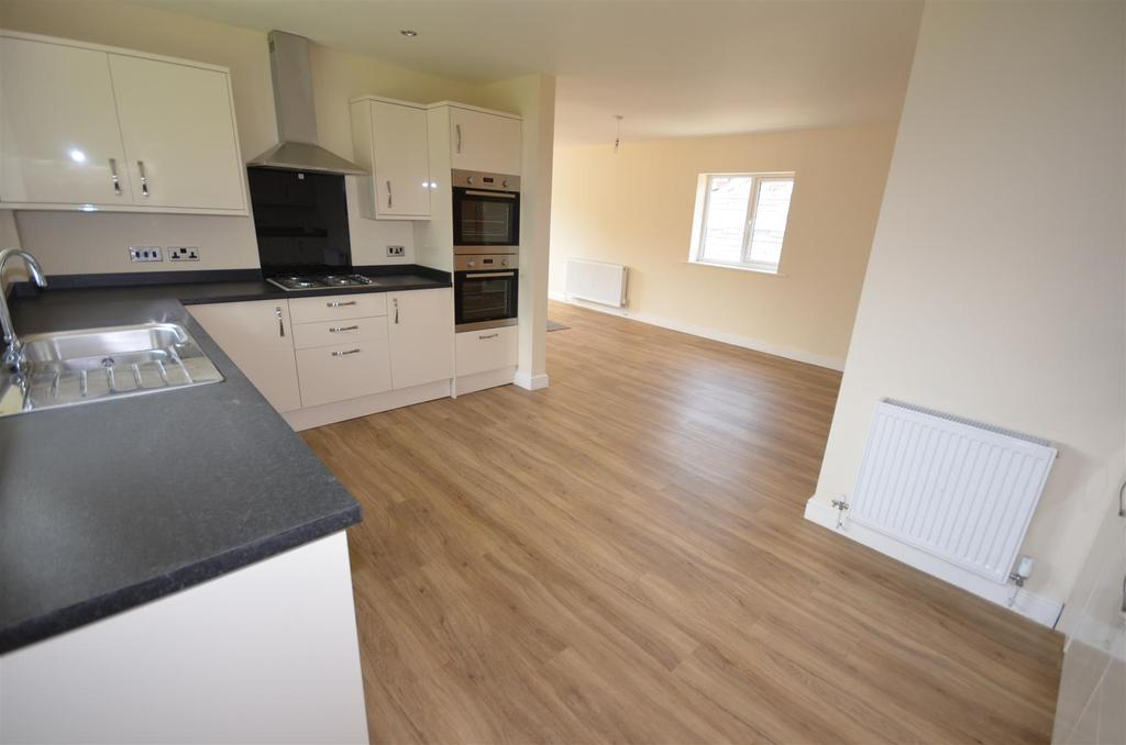 3 Bedrooms Detached Bungalow for sale in Edinburgh Drive, Wigan
