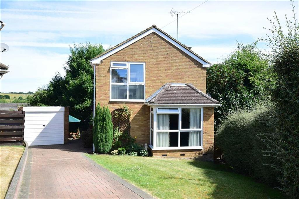 3 Bedrooms Detached House for sale in Wrenfield Drive, Caversham, Reading