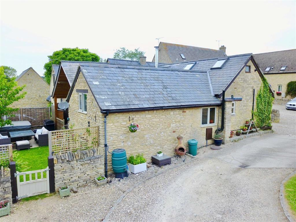 4 Bedrooms Barn Conversion Character Property for sale in Lowlands Farm, Chadlington, Oxfordshire