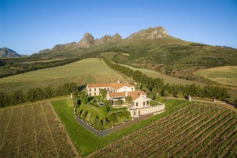 5 bedroom house  - Delavia Estate, Helderberg, Stellenbosch, Western Cape