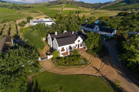 5 bedroom farm house  - Uiterwyk Wine Estate, Stellenkloof Road, Stellenbosch, Western Cape